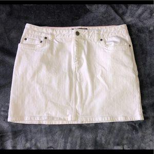 Vineyard Vines White Jean Skirt Sz 4-6